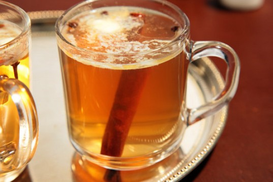 Treat Yourself WithHot Buttered Rum This Christmas